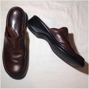 Women's Size 8.5M Clark's Mule Shoes